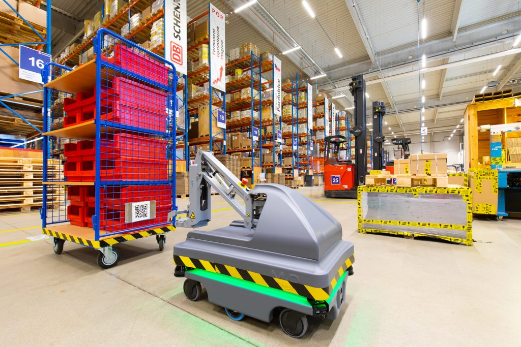 Technology and innovation in warehousing - An autonomous mobile robot in the Czech Republic